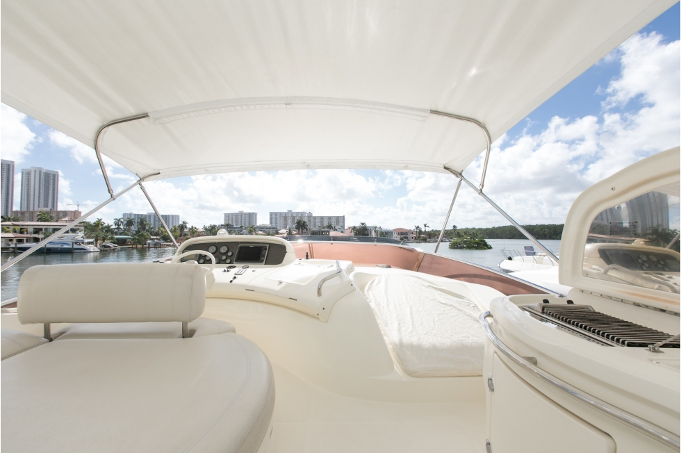 2005 Azimut 68' Evolution